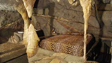 Kentucky Cave